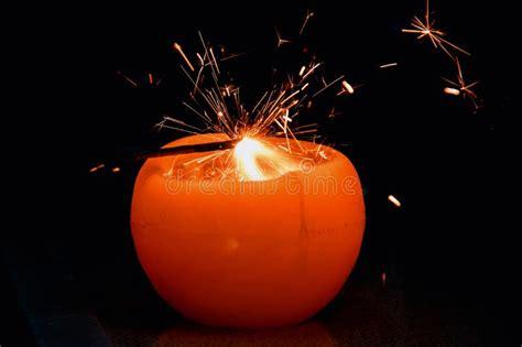 candela bruciata scoppio dei fuochi d artificio fotografia stock immagine