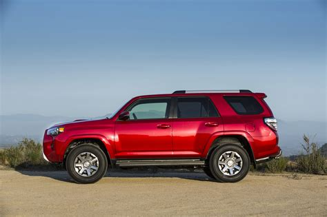 Toyota Four Runner 2014 by 2014 Toyota 4runner Revealed Autoevolution