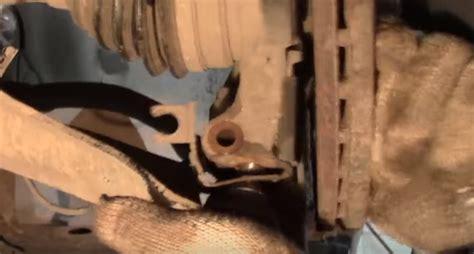 Замена шаровой опоры Рено Меган 2