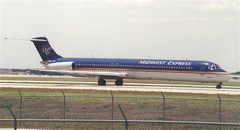 N804ME Midwest Express MD-80
