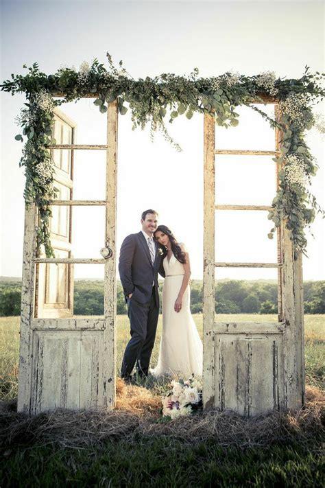 35 rustic door wedding decor ideas for outdoor country weddings deer pearl flowers