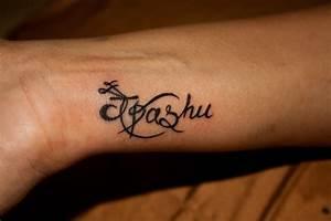 Name Calligraphy Wrist Tattoos Design - Tattoo Ideas ...