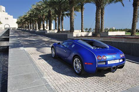 Tyre pressure, temperature, all systems go. 2011 Bugatti Veyron 16.4 Grand Sport Qatar - HD Pictures @ carsinvasion.com