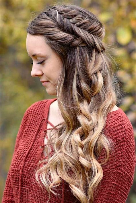 Graduation Hairstyles For by Best 25 Graduation Hairstyles Ideas On Prom