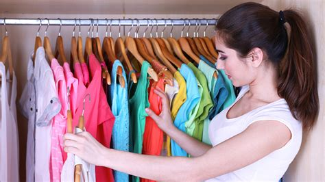 How To Clean Your Closet In Minutes
