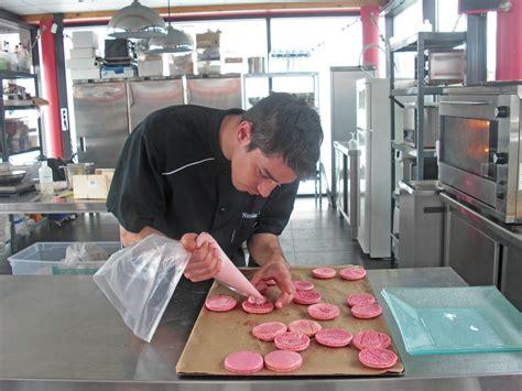 atelier culinaire les cours de cuisine et le service traiteur du chef nicolas lemoux le p 233 riscope