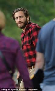 actress fisher of nocturnal animals crossword jake gyllenhaal joins isla fisher on the set of their new