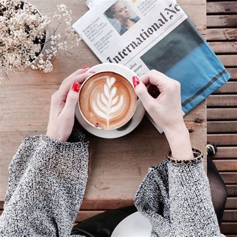 Cafe photography is also incredibly easy to get into. Fun Instagram Account Features Coffee Effortlessly Paired With Stylish Outfits - DesignTAXI.com