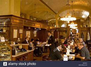 Cafe Schwarzenberg Wien : sterreich wien 1 k rntner ring 17 cafe schwarzenberg stock photo royalty free image ~ Eleganceandgraceweddings.com Haus und Dekorationen
