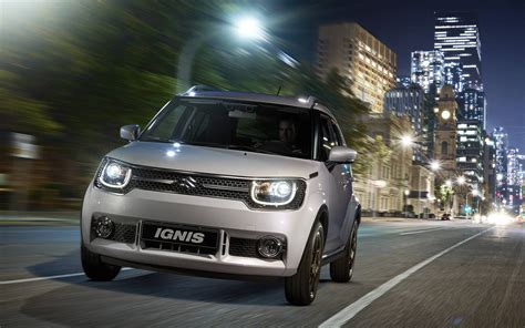 Suzuki Ignis Hd Picture by Comparison Suzuki Ignis Glx 2017 Vs Fiat Panda Cross