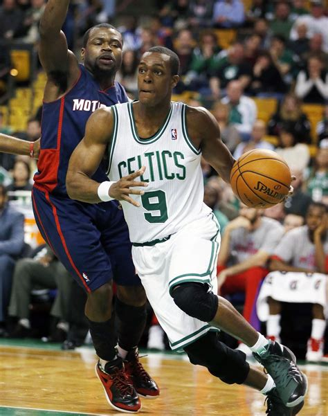 Rajon Rondo notches 18 assists to pass Bill Russell for ...