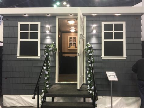 luxury portable bathroom trailers