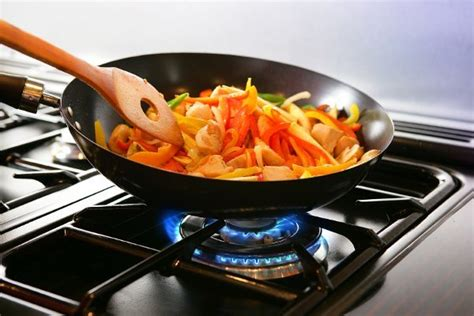 cuisine and cook toxic alert 5 foods you should never heat or reheat