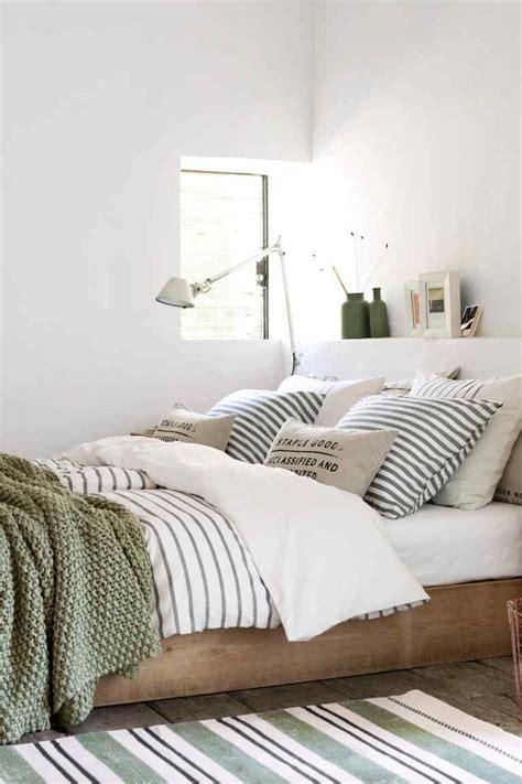 Earthy Bedroom Design Ideas by 25 Best Ideas About Earthy Bedroom On