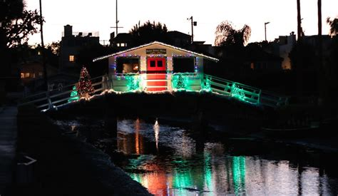 this is what the venice canals holiday lights look like