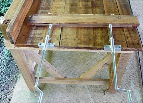 diy    workbench side clamps  pipe  threaded rod workbench accessories