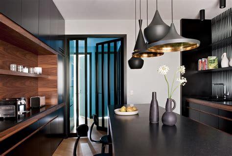 cuisine appartement parisien aqua chic un appartement parisien au bleu irrésistible the déco