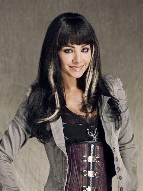 Ksenia Solo Kenzi Cast Lost Girl Syfy
