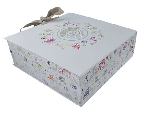 China Cute Christmas Large Decorative Gift Boxes Manufacturers