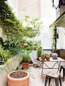 balkon bepflanzen 60 originelle ideen archzinenet With französischer balkon mit wasserlauf garten modern