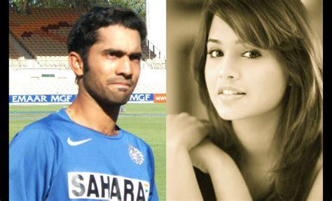 Indian Cricketer Dinesh Karthik Engaged To Squash Player