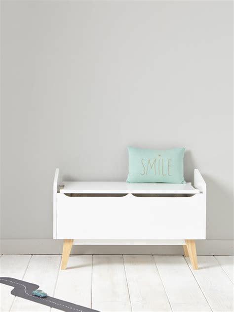 petit meuble de cuisine coffre à jouets bois maison vetement et déco cyrillus