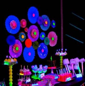 15 Glow In The Dark Party Ideas