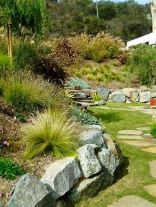 findlinge im garten fur eine schonere landschaft With amenagement de jardin en pente 6 gartenanlage am hang