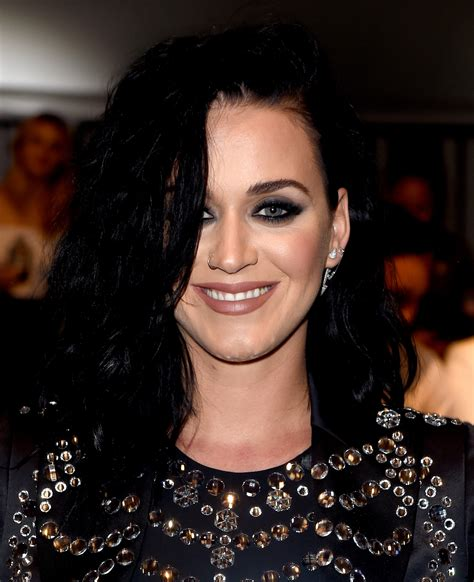 Katy Perry Votes For Hillary