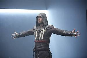 Assassin's Creed: New Images Flaunt Michael Fassbender's ...