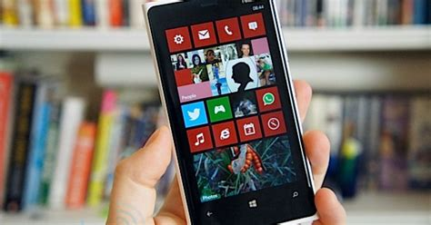 nokia lumia 920 review windows phone 8 and a bit of magic