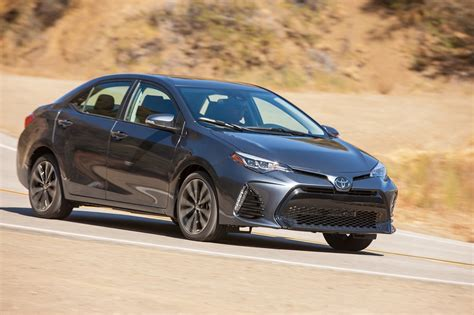 toyota mtr 2017 toyota corolla reviews and rating motor trend