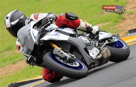 Review Yamaha R1m by Yamaha Yzf R1 And Yzf R1m Review Test Mcnews Au