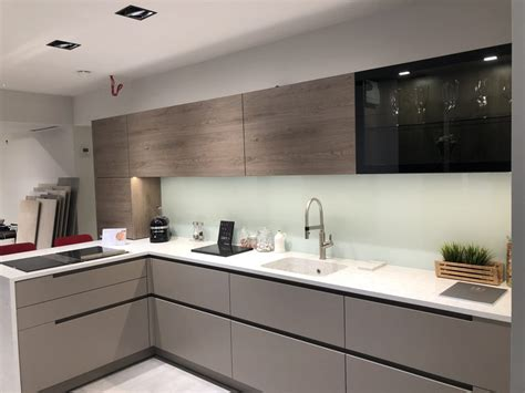 display ewe kitchen  silestone worktops  bank