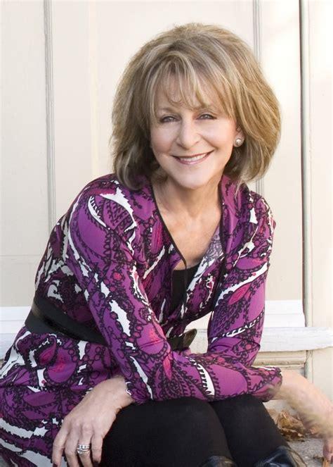 Popular romance novelist Barbara Delinsky to be keynote