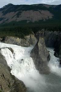 File Virginia Falls  Northwest Territories Jpg