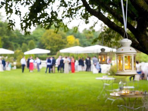 banchetto di nozze trenta intossicati al banchetto di nozze un invitato