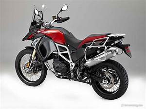 Bmw F800 Gs : bmw f800gs f800gs adventure and f700gs 2017 bmw motorcycle magazine ~ Dode.kayakingforconservation.com Idées de Décoration