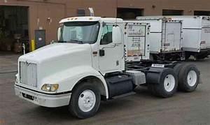 International 9100i  2003    Daycab Semi Trucks