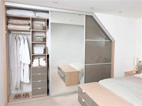 Begehbarer Kleiderschrank Mit Dachschräge by Begehbarer Kleiderschrank Unter Dachschr 228 Ge Ideen Und
