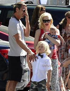 Gwen Stefani and Gavin Rossdale with baby Apollo at Zuma's ...