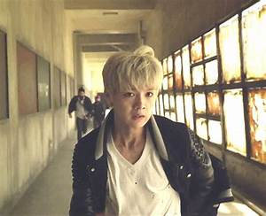 The gallery for --> Baekhyun Growl Gif