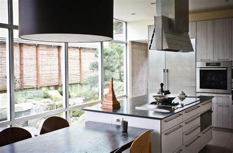 accent kitchen cabinets my houzz a kitchen update with indoor outdoor zen 1143