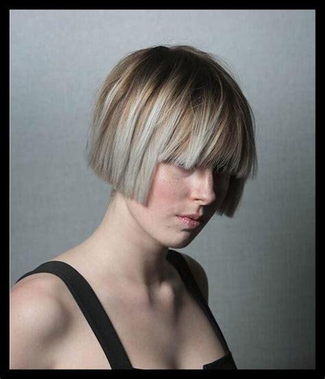 gerade mittlere frisuren mit blunt bangs easy haircuts