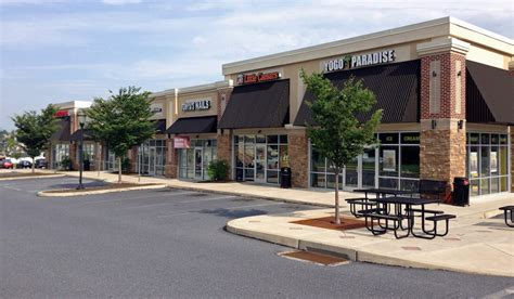 equity retail brokers spring market shopping center