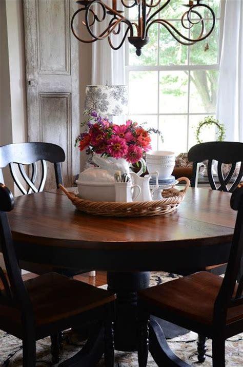 tray  flowers utensils napkins  center