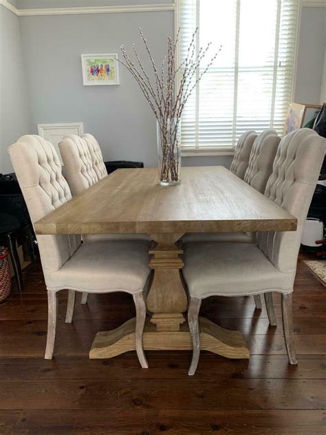 large lime wash oak dining table perfect condition