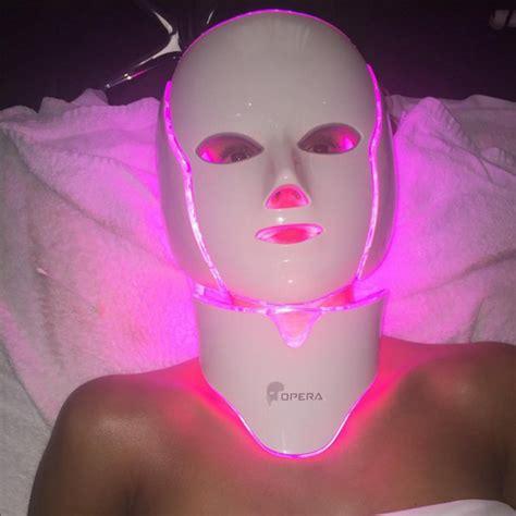 Un masque lumineux pour lutter contre le vieillissement de
