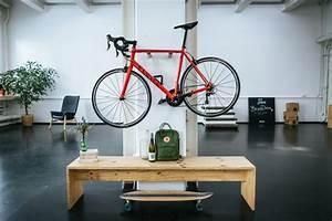 Fahrrad Wandhalterung Holz : henry fahrrad wandhalterung aus holz fahrradwandhalter ~ Markanthonyermac.com Haus und Dekorationen