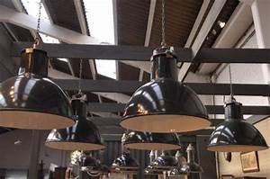 Suspension Luminaire Industriel : suspension industrielle led ~ Teatrodelosmanantiales.com Idées de Décoration